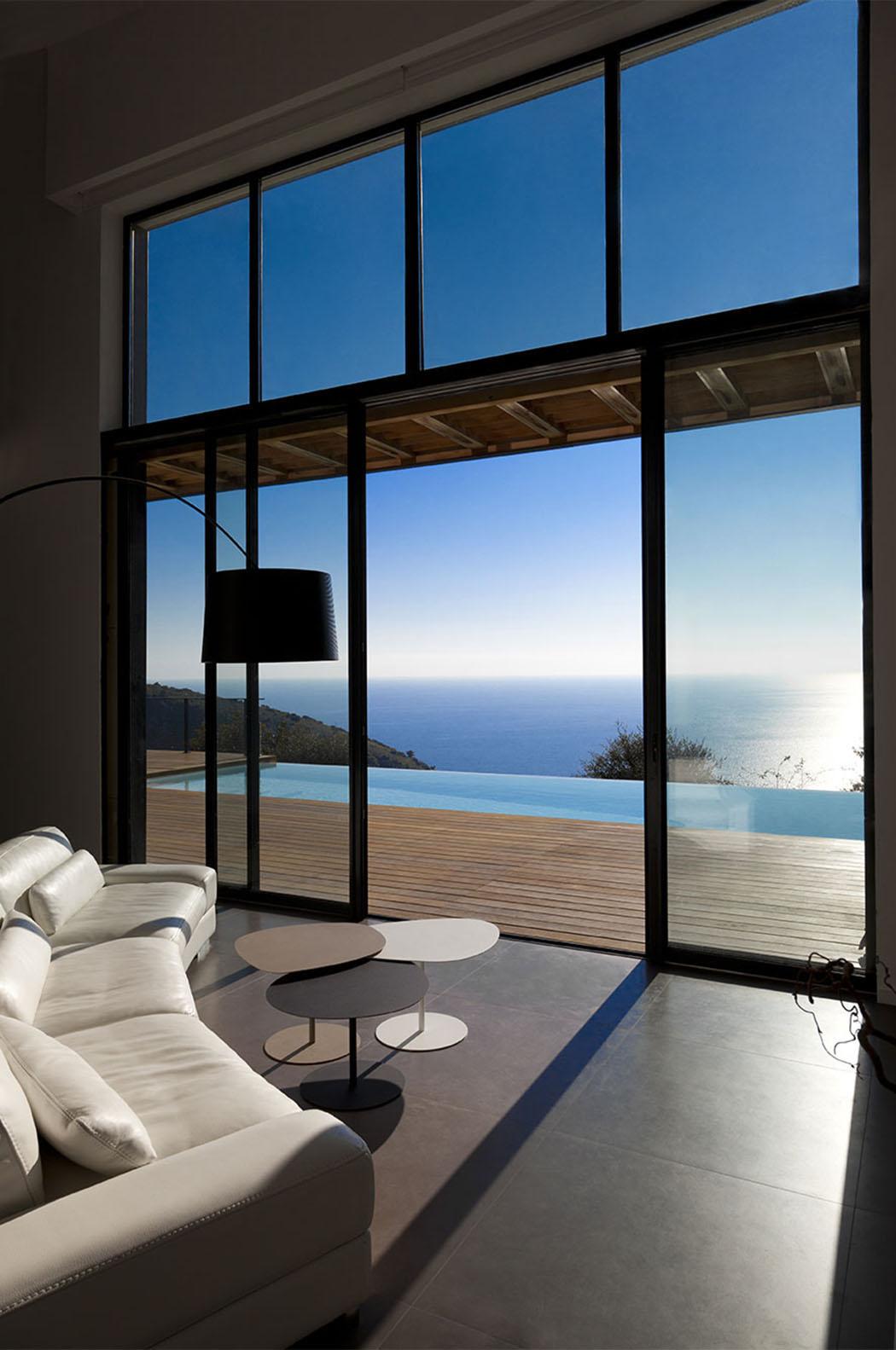 Moderne et originale maison d architecte monaco avec une magnifique vue vivons maison La cloison magnifique le coin salon
