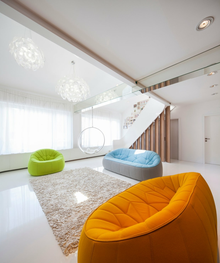 loft au design contemporain un brin futuriste vivons maison. Black Bedroom Furniture Sets. Home Design Ideas