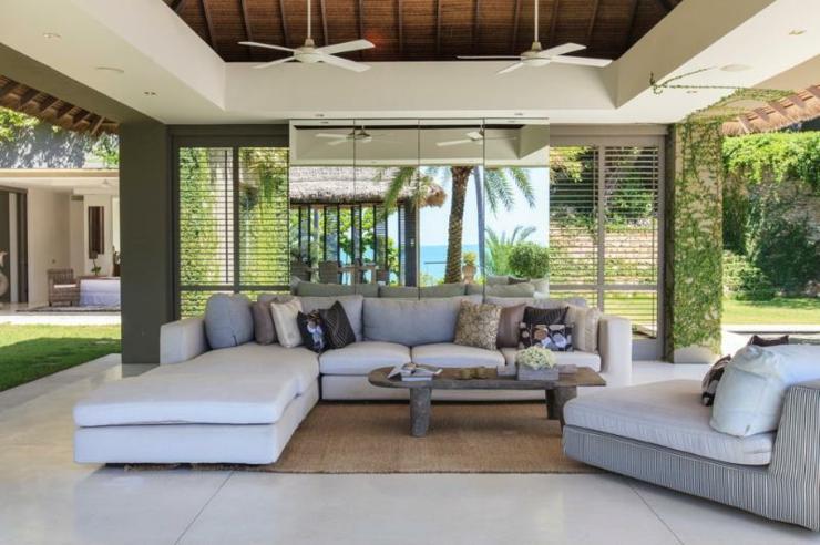 Vacances exotiques dans une villa de r ve tha vivons maison for Salle a manger de luxe design