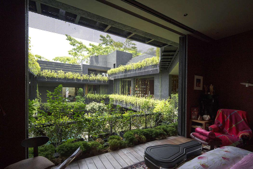 Maison Familiale Verte 224 Mi Chemin Entre Les Jardins Et