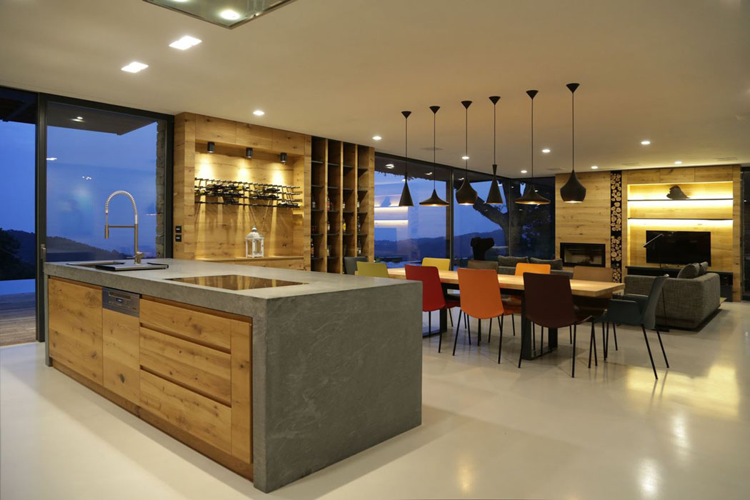 Magnifique villa moderne de plain pied situ e sur les for Interieur maison en v