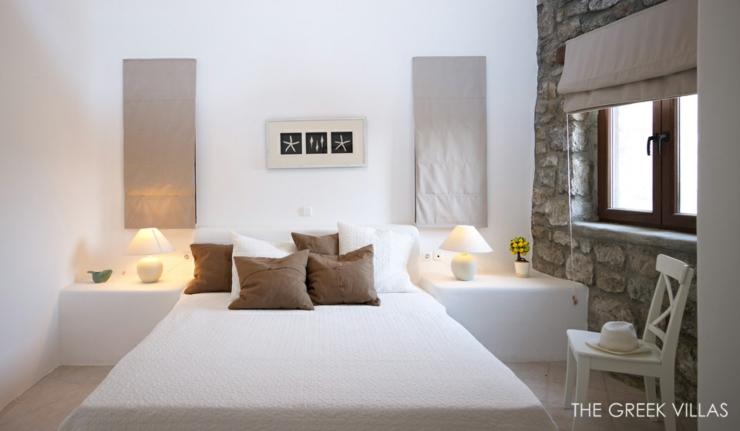 vacances en gr ce dans une villa en blanc et bleu vivons maison. Black Bedroom Furniture Sets. Home Design Ideas