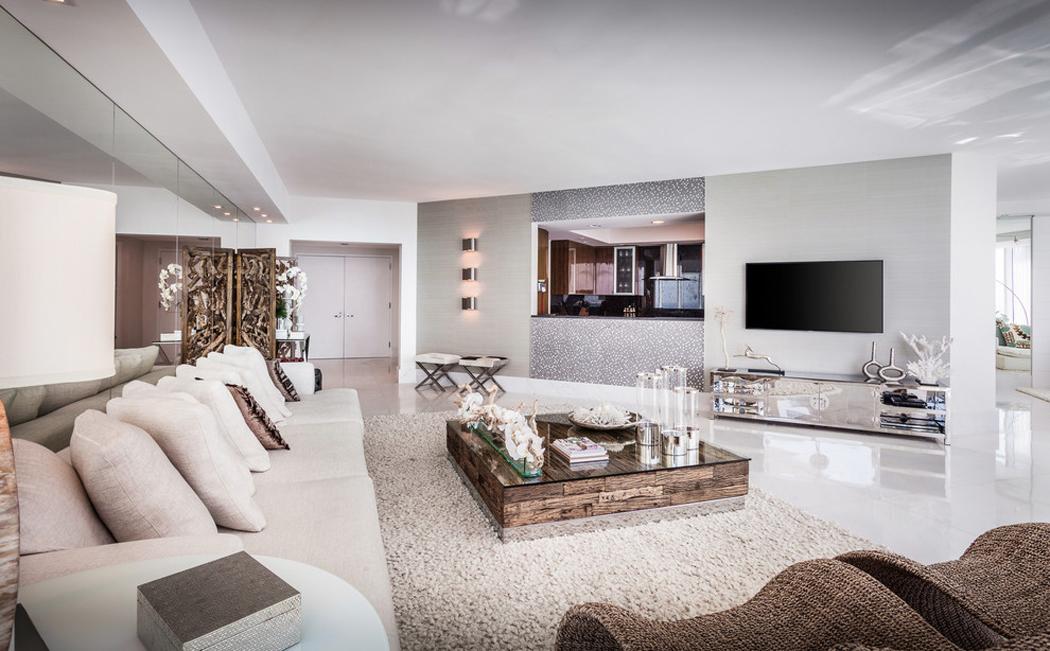 Appartement de luxe avec belle vue sur l eau situ sur la c te en floride vivons maison for Salon moderne luxe