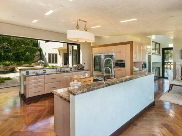 propri t de prestige malibu avec vue panoramique sur l. Black Bedroom Furniture Sets. Home Design Ideas