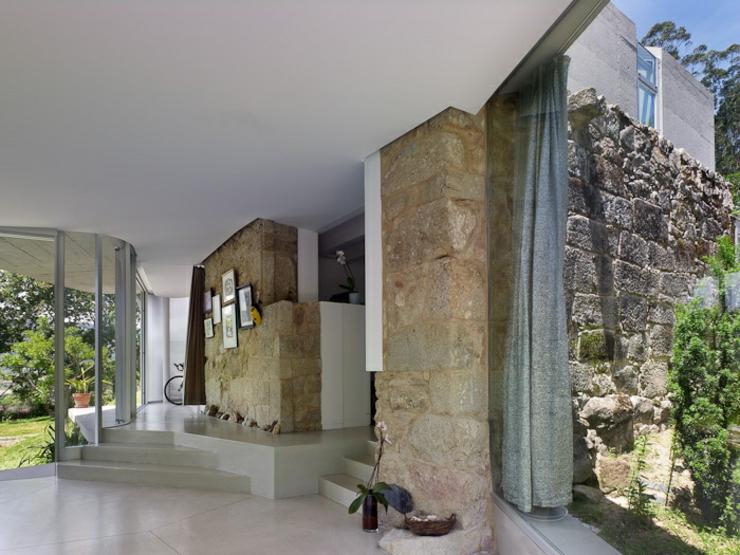 Exemple cr ative d une maison r nover en espagne - Renover mur en pierre interieur ...
