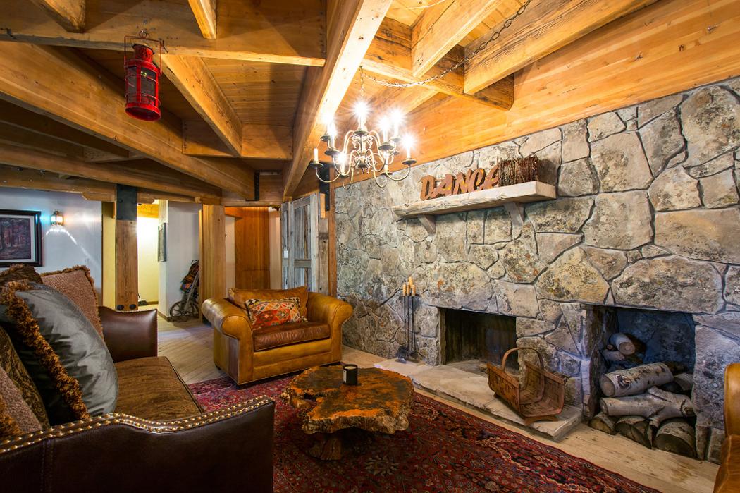 Interieur maison bois rustique for Interieur rustique