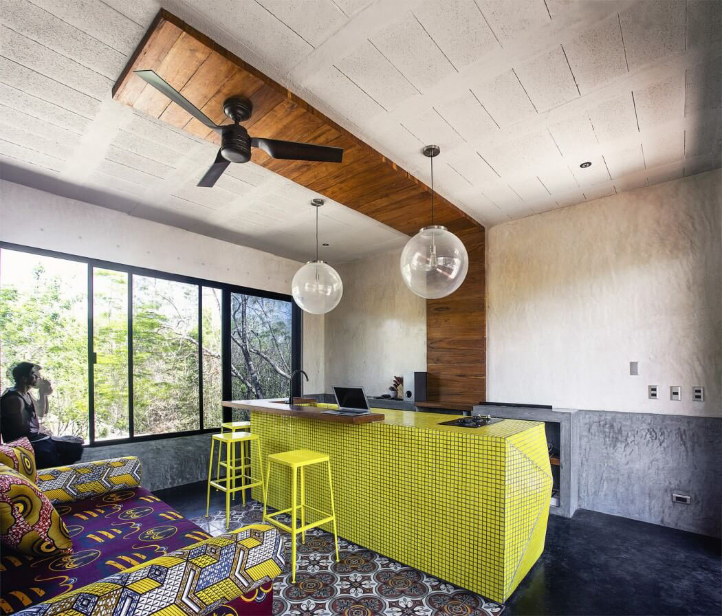 Belle maison de vacances la d co industrielle tulum au - Une maison larchitecture tres originale au mexique ...