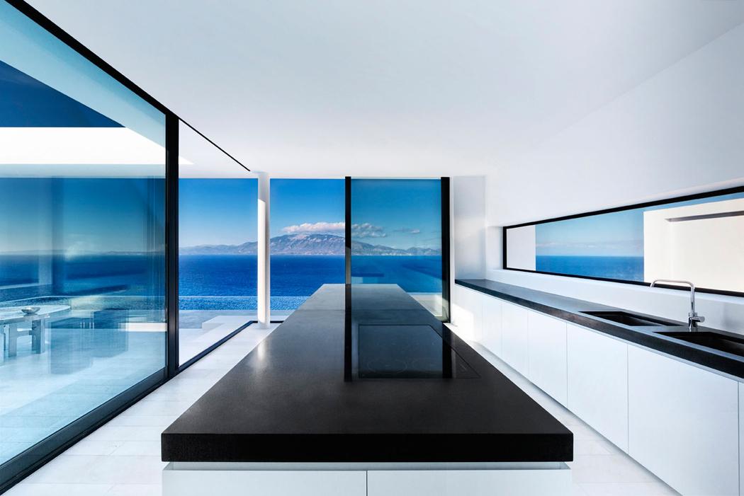 Magnifique villa contemporaine en gr ce avec vue for Villa contemporaine interieur