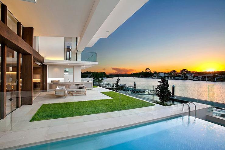 piscine et terrasse maison de luxe - Maison De Luxe Moderne