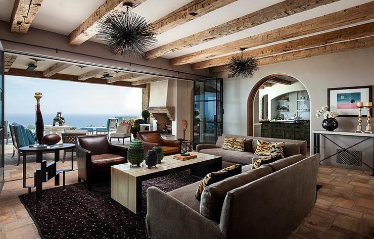 villa de luxe de style m diterran en malibu vivons maison. Black Bedroom Furniture Sets. Home Design Ideas