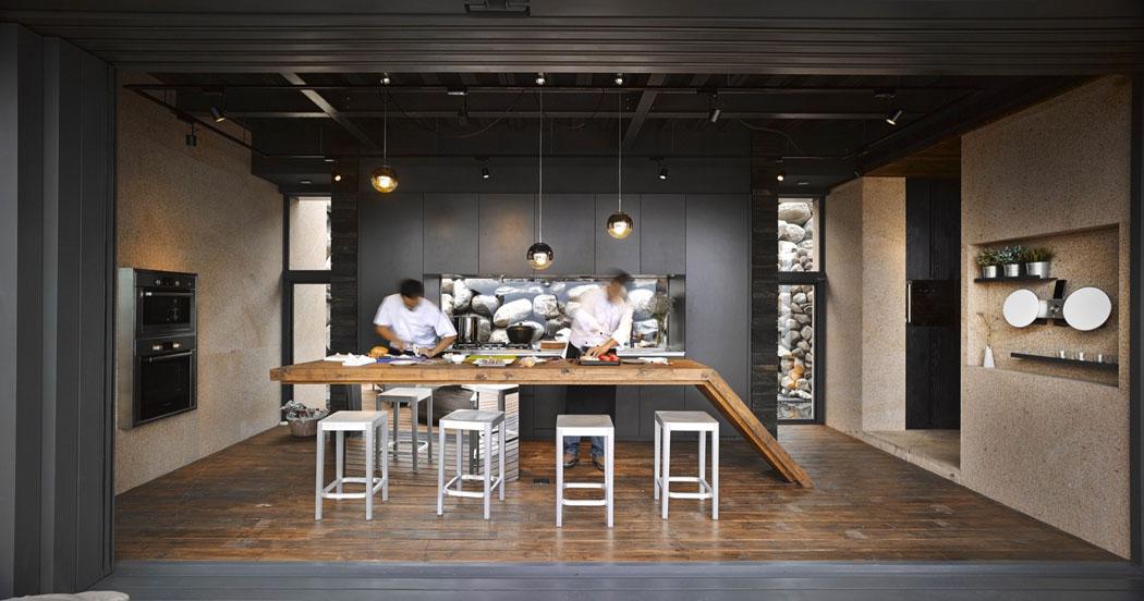 Magnifique villa de vacances taiwan s tendant sur trois for Cuisine avec baie vitree