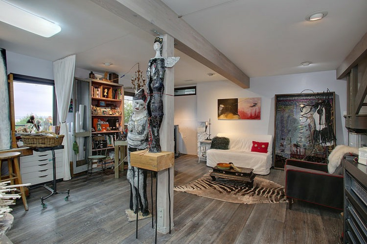 Atelier artistique et bureau dans la décoration éclectique