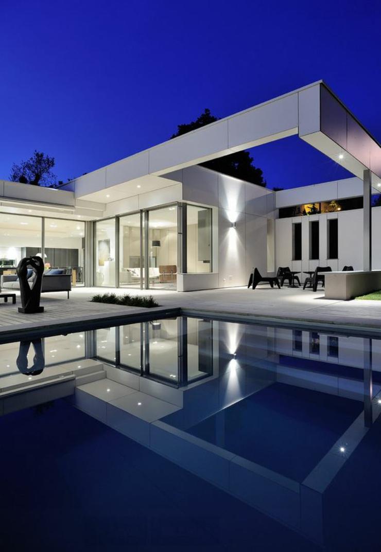 Plan de maison de luxe avec piscine for Maison moderne de luxe avec piscine