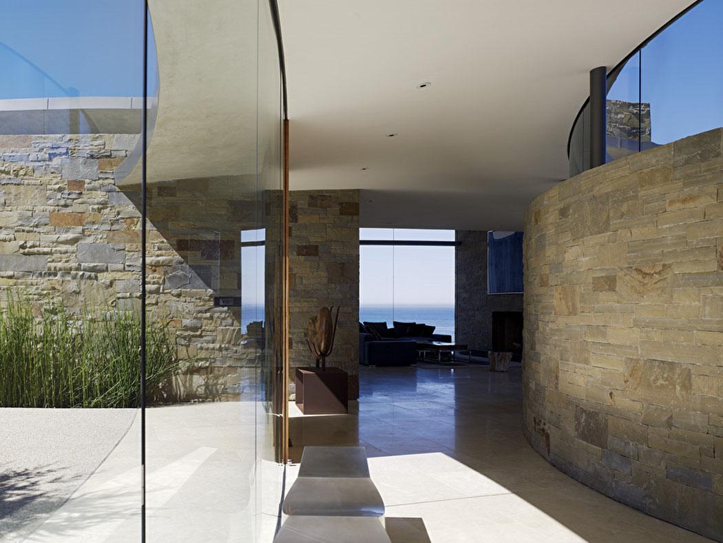 Contemporaine et luxueuse maison avec vue imprenable sur l'océan ...