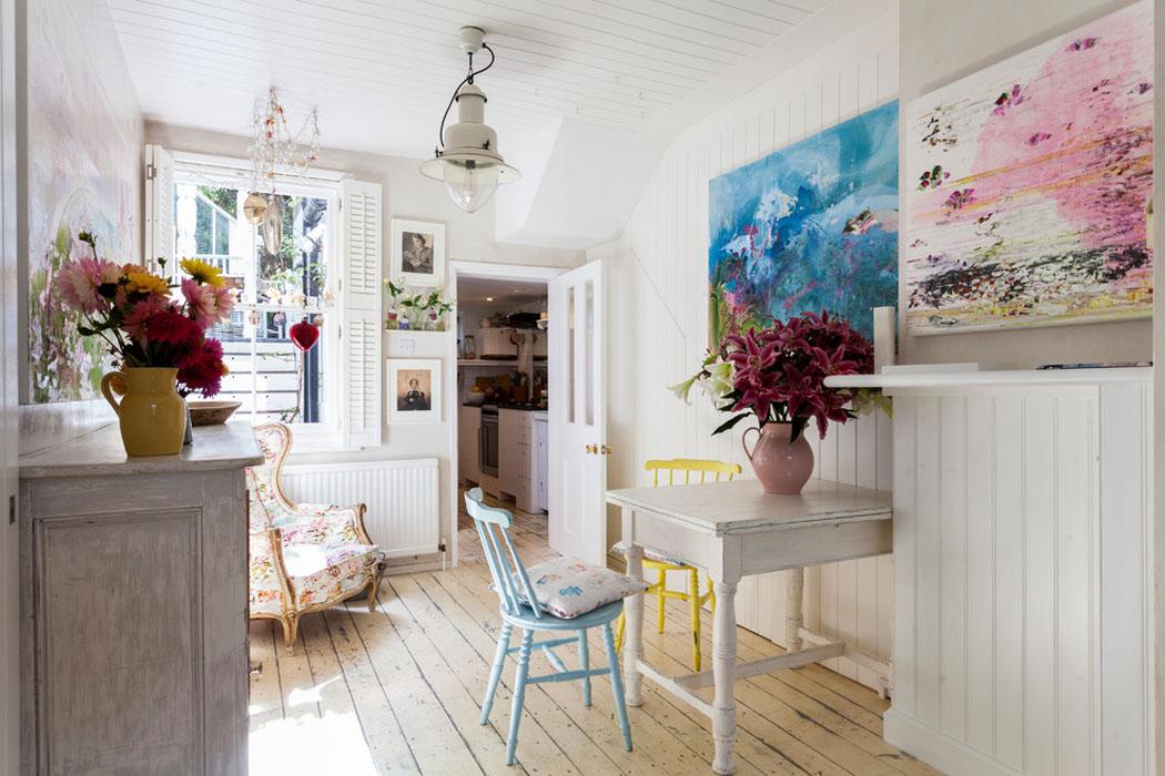 Ancienne maison de charme au design int rieur cr atif dans - Decoration maison ancienne interieur ...
