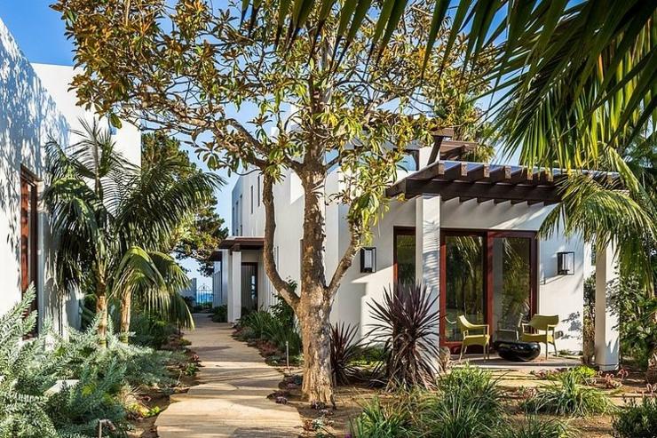 Belle maison d architecte situ e dans la c l bre ville des - Belle maison d architecte los angeles ...