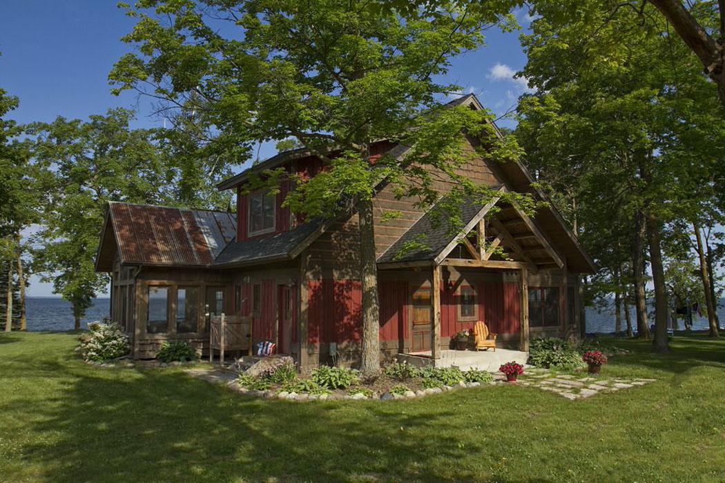 maison de vacances au charme bucolique au bord d un lac. Black Bedroom Furniture Sets. Home Design Ideas