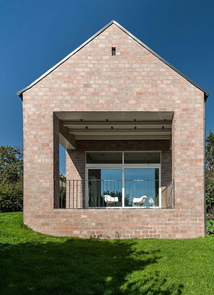 Maison design original budapest pour un couple de retrait s vivons maison - Maison originale de ville kariouk ...