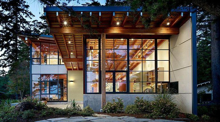 Magnifique maison en bois construite en hauteur vivons - La demeure moderne gb house par mmeb architects ...