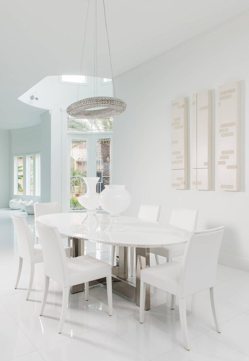Interieur maison tout blanc maison moderne for Interieur maison moderne blanc