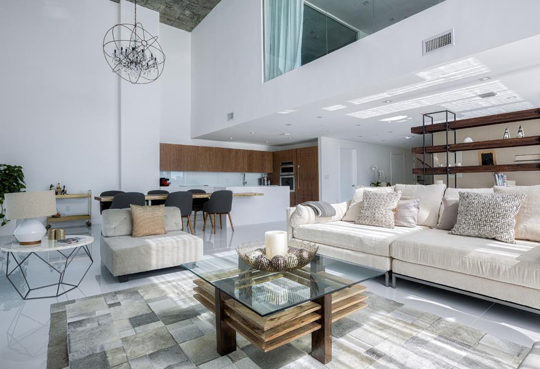 Bel appartement en duplex au design moderne situé à Miami ...