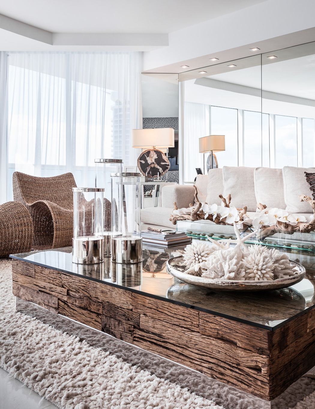 Appartement de luxe avec belle vue sur l eau situ sur la for Meubles design italien luxe
