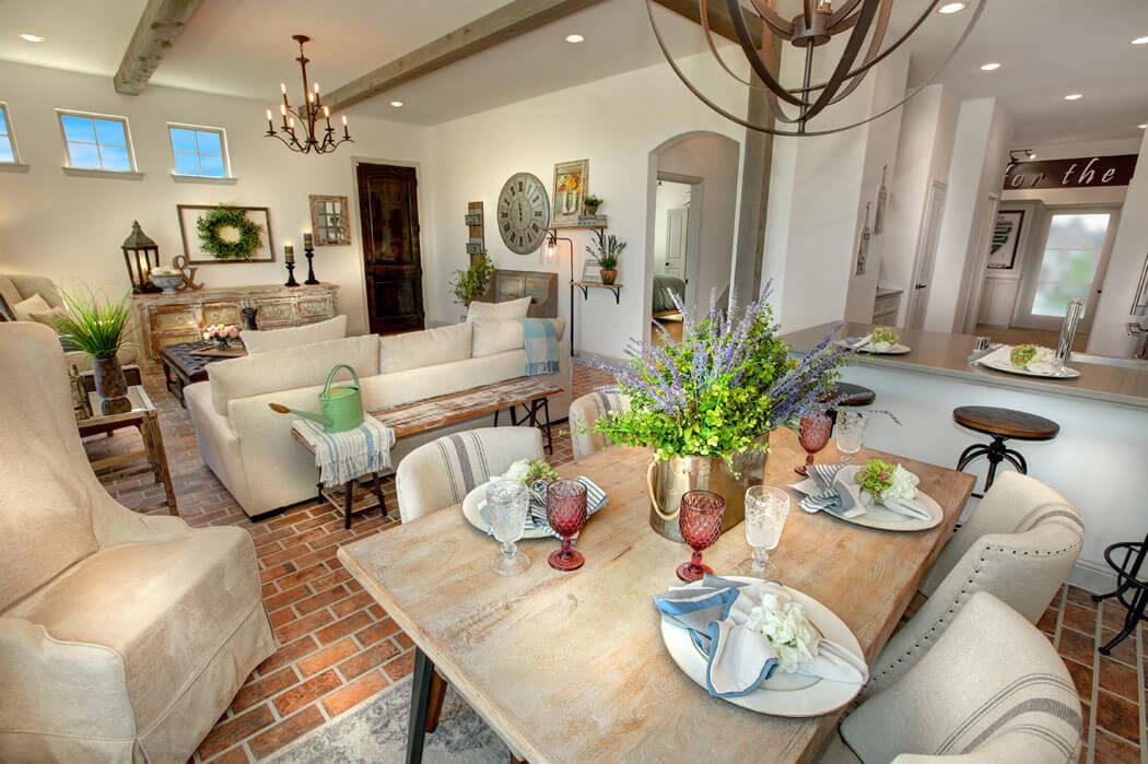 Belle maison de charme rustique et citadin la fois situ e texas vivons - Mobilier de salle a manger moderne ...