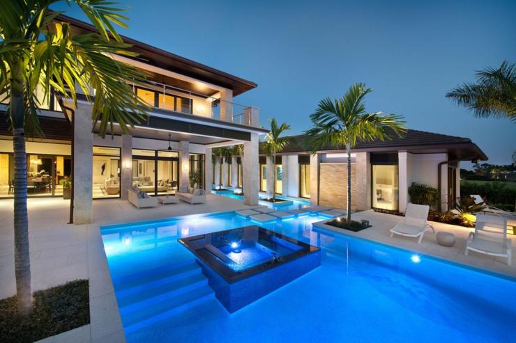 Prestigieuse maison de vacances en floride vivons maison for Maison moderne de luxe avec piscine