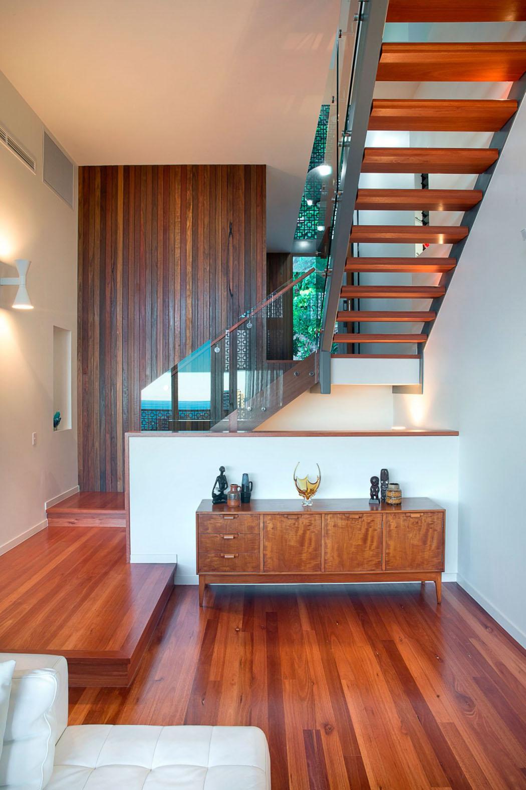 Jolie maison r nov e avec belle vue sur la ville queensland australie v - Parquet en bois exotique ...
