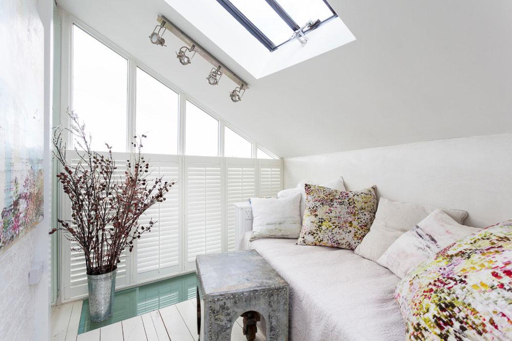 ancienne maison de charme au design int rieur cr atif dans le sud de l angleterre vivons maison. Black Bedroom Furniture Sets. Home Design Ideas
