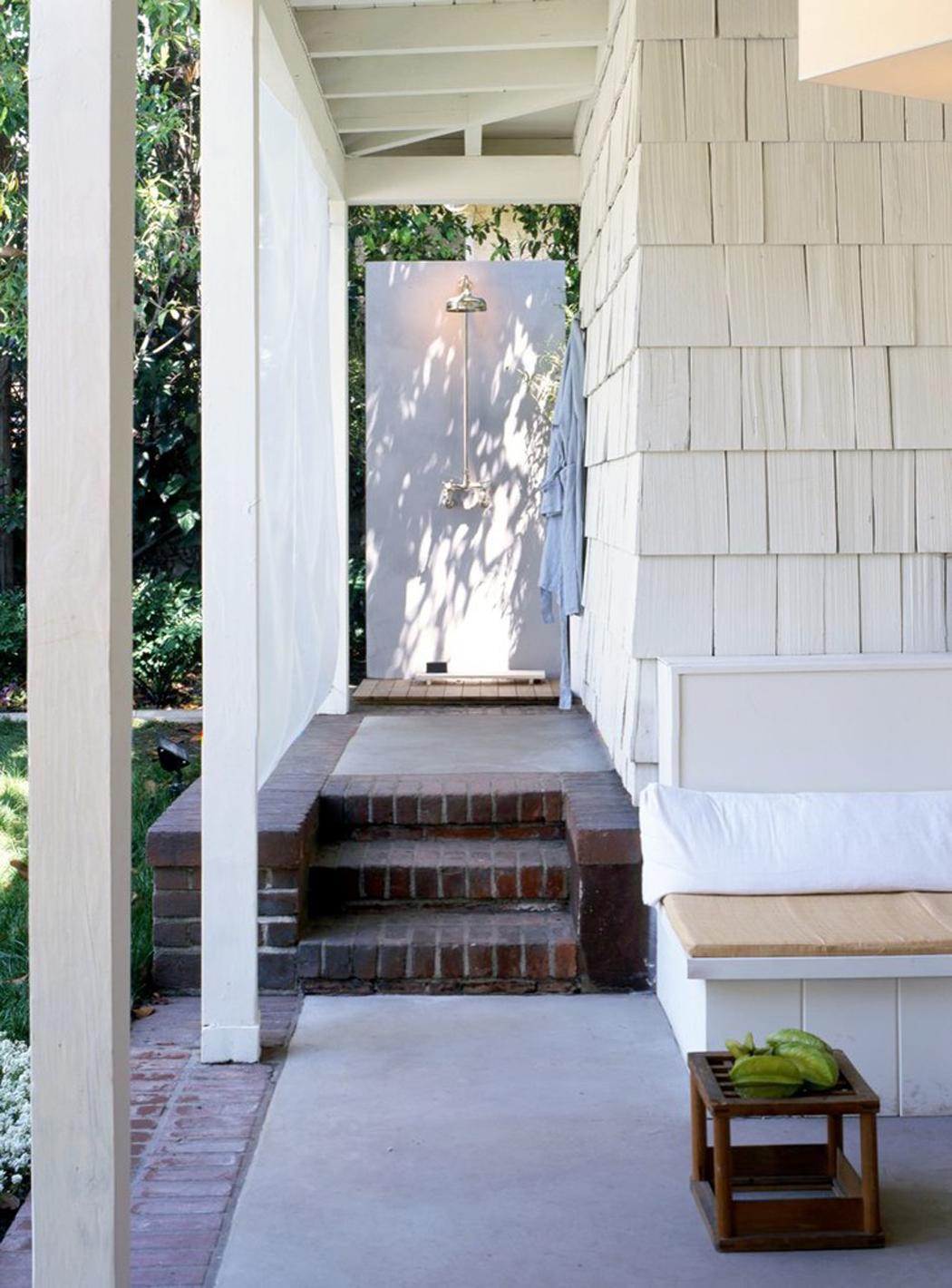 Cabane design zen et minimaliste los angeles vivons maison for Petite maison design