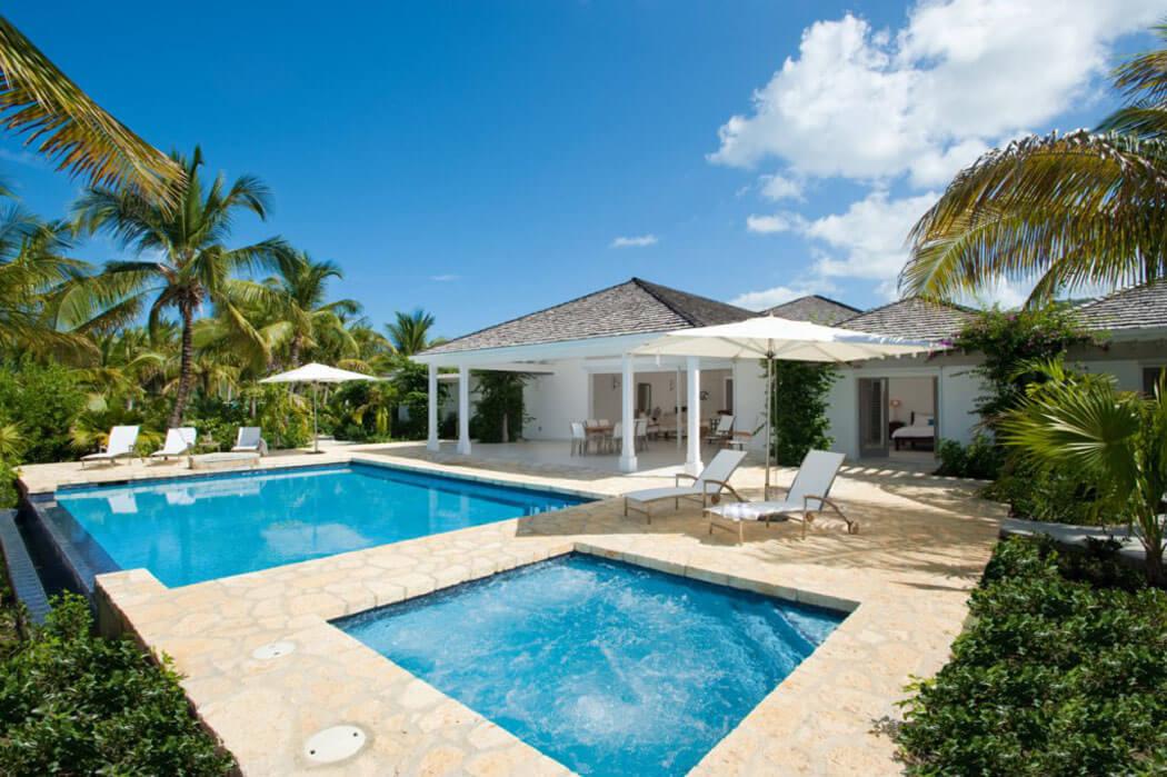 Une location de vacances au paradis palm point villa antigua vivons maison for Location maison de vacances de luxe