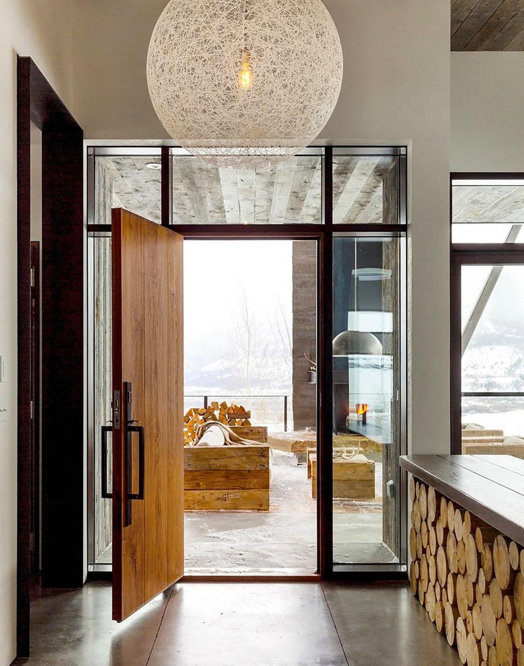 Une maison rustique modernis e dans l esprit clectique for Massif entree maison