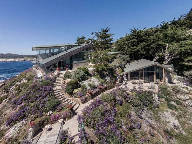 Architecture moderne pour une maison californienne perch e for Maison sur colline