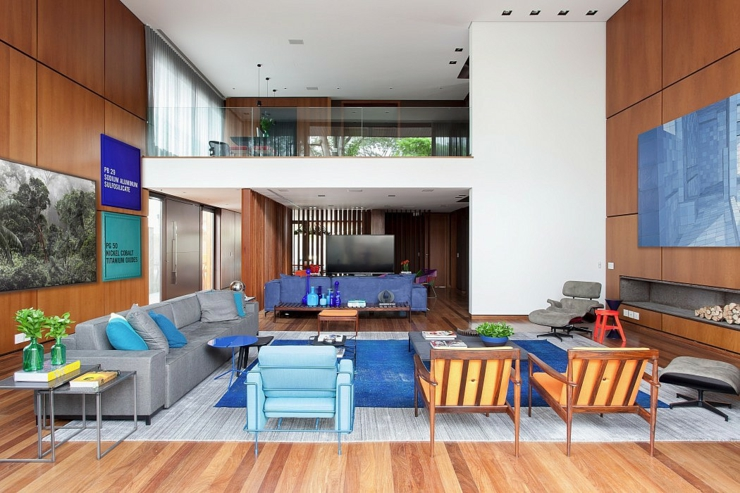 Bois massif est lélément omniprésent dans lintérieur. séjour bois ambiance retro maison design