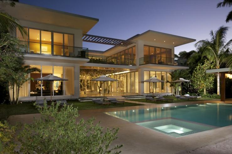 Belle Maison De Luxe Moderne Avec Collone : Résidence principale et familiale à miami beach florida
