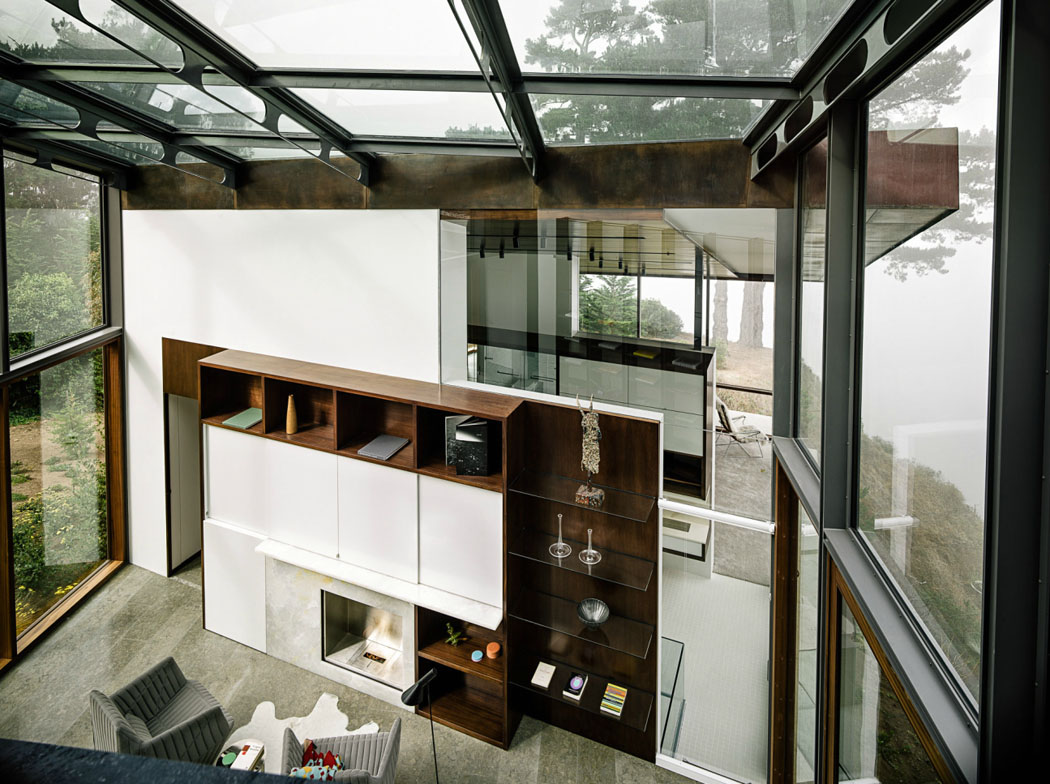 Intérieur moderne et original de cette maison contemporaine inondé de lumière naturelle