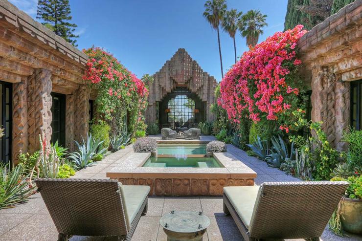 Maison d architecte los angeles au pass sulfureux - Residence inversee studios architecture en californie ...
