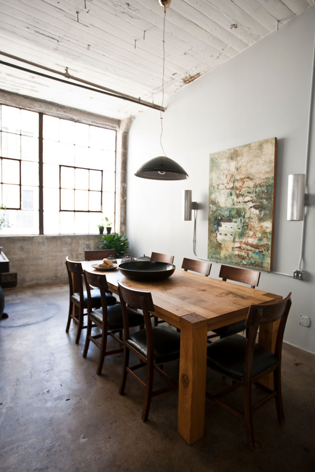 Loft de ville new york au design int rieur inspir par for Table salle a manger loft