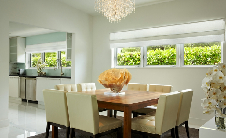 Tr s belle maison secondaire pour des vacances r ussies for Salle a manger de luxe en bois