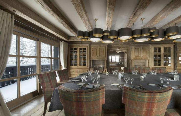 Chalet ski d un luxe extr me courchevel vivons maison for Salle a manger de luxe en bois