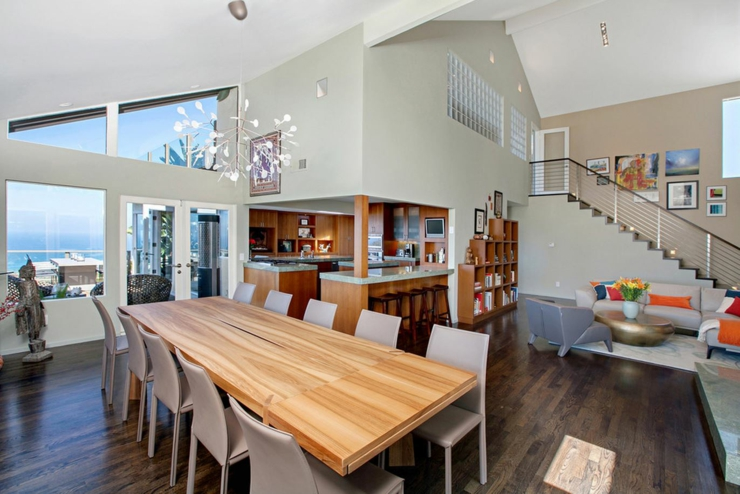 Jolie maison avec vue splendide sur l oc an en californie for Manger a la maison