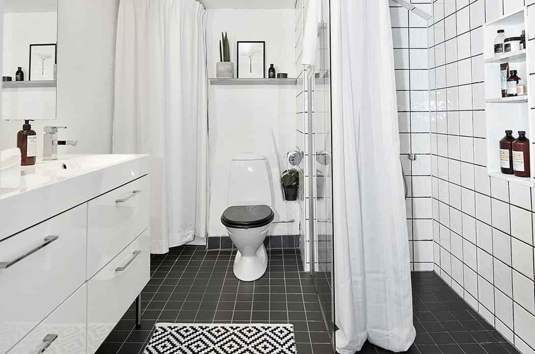 Bel appartement moderne sous le toit au design scandinave - Mini seche linge appartement ...
