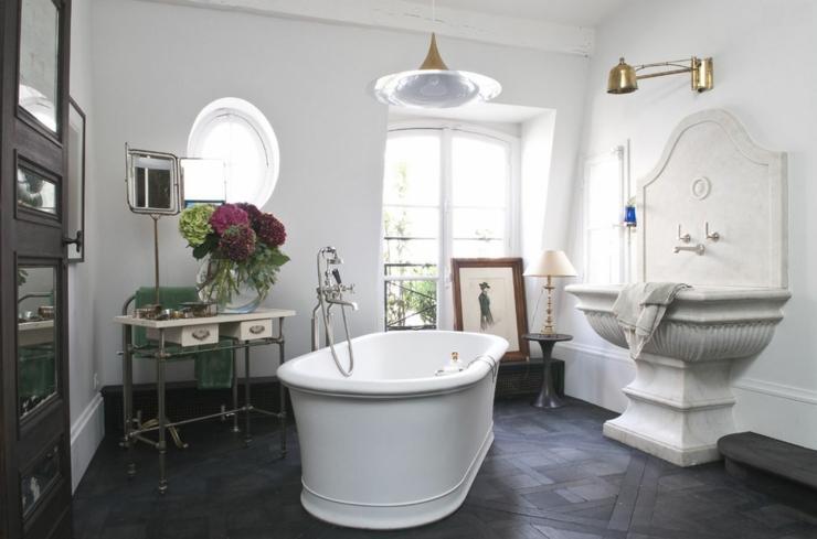 Superbe maison ancienne au c ur de paris vivons maison for Salle de bain maison ancienne