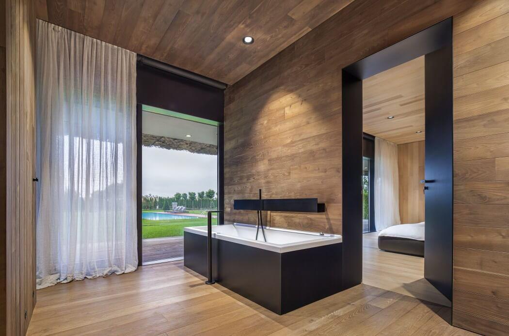 Maison d architecte en bulgarie offrant une superbe vue panoramique vivons maison - Salle de bain bois zen ...