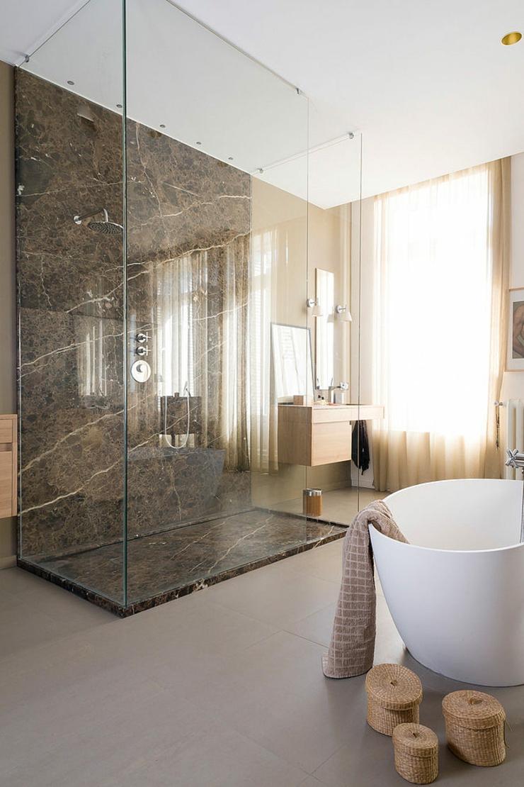 Logement citadin la d coration design artistique for Design interieur salle de bain