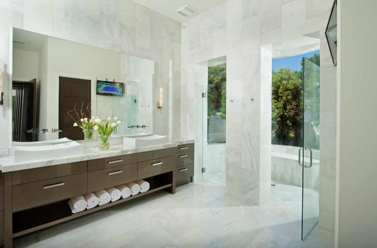 Belle maison exotique situ e en floride vivons maison for Salle bain marbre blanc
