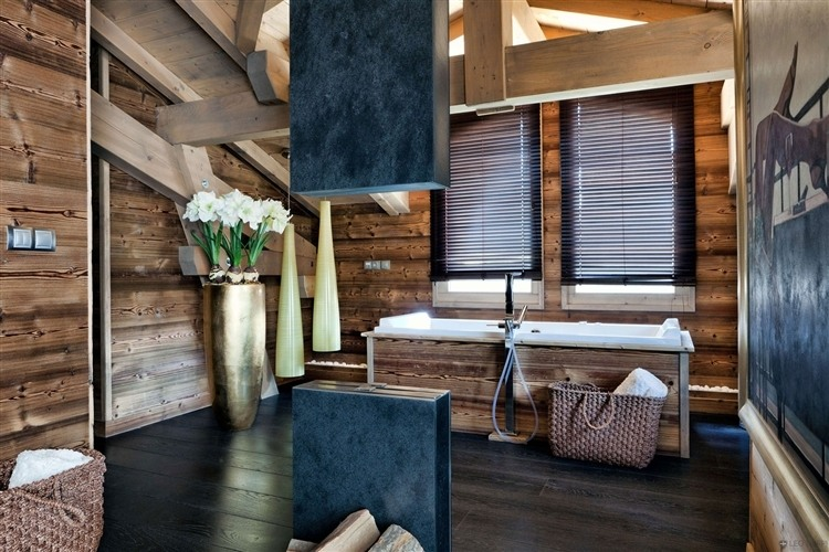 chalet en bois luxueux pour les amoureux de la montagne. Black Bedroom Furniture Sets. Home Design Ideas