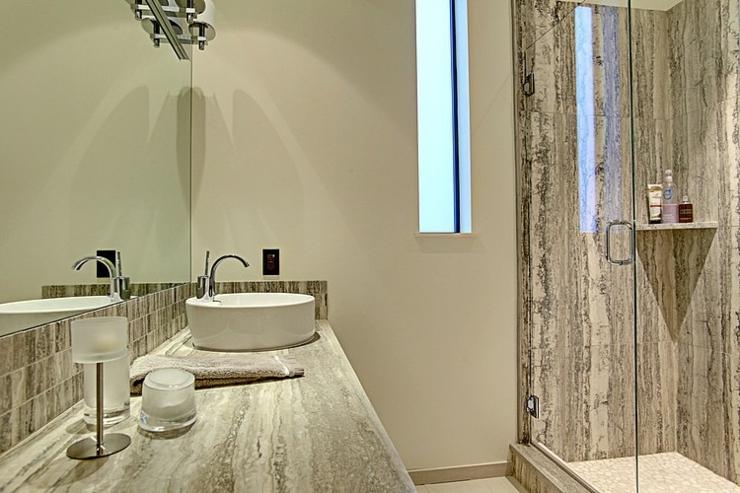 Contemporaine et belle maison familiale seattle vivons for Salle de bains design luxe