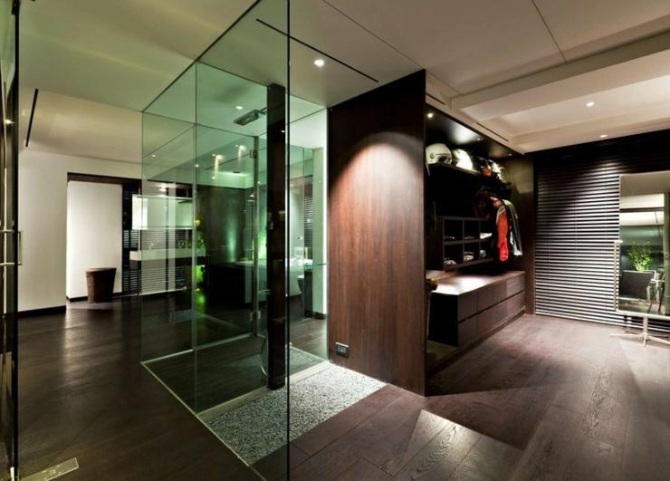 Appartement en duplex l ambiance minimaliste masculine for Salle de bain ultra moderne